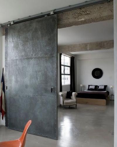 Елегантна метална вътрешна врата за дома Трейдплас Бургас