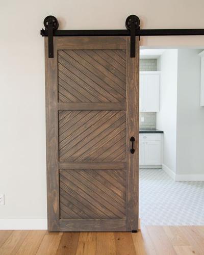 Кафява дървена плъзгаща врата Трейдплас Бургас